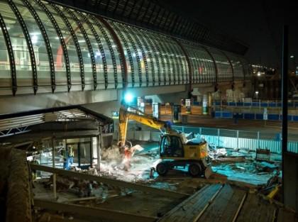station rai 's avonds ontmanteling